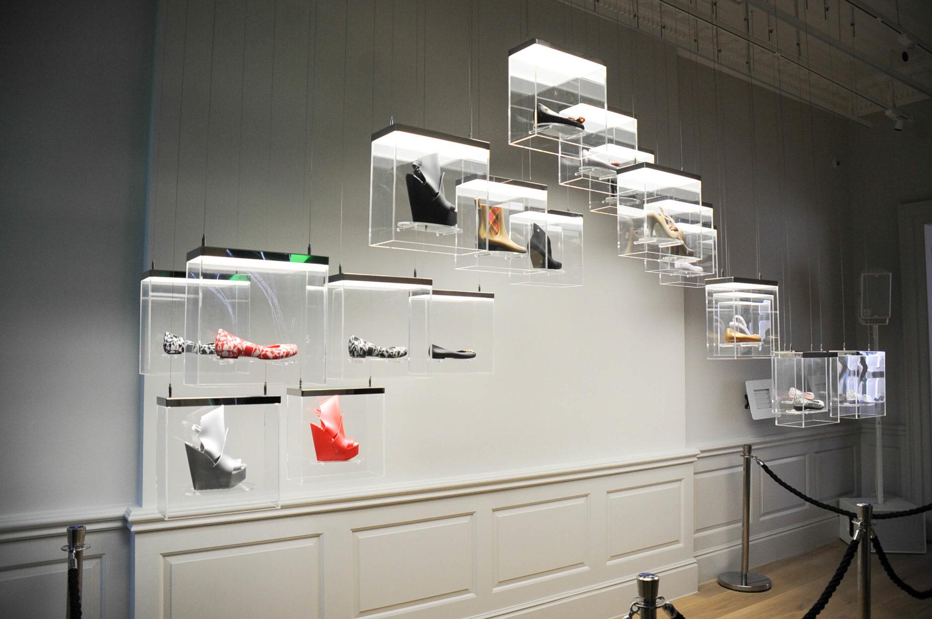 kinetic-sculpture-galeria-melisa-coven-garden-london-3-mjlighting