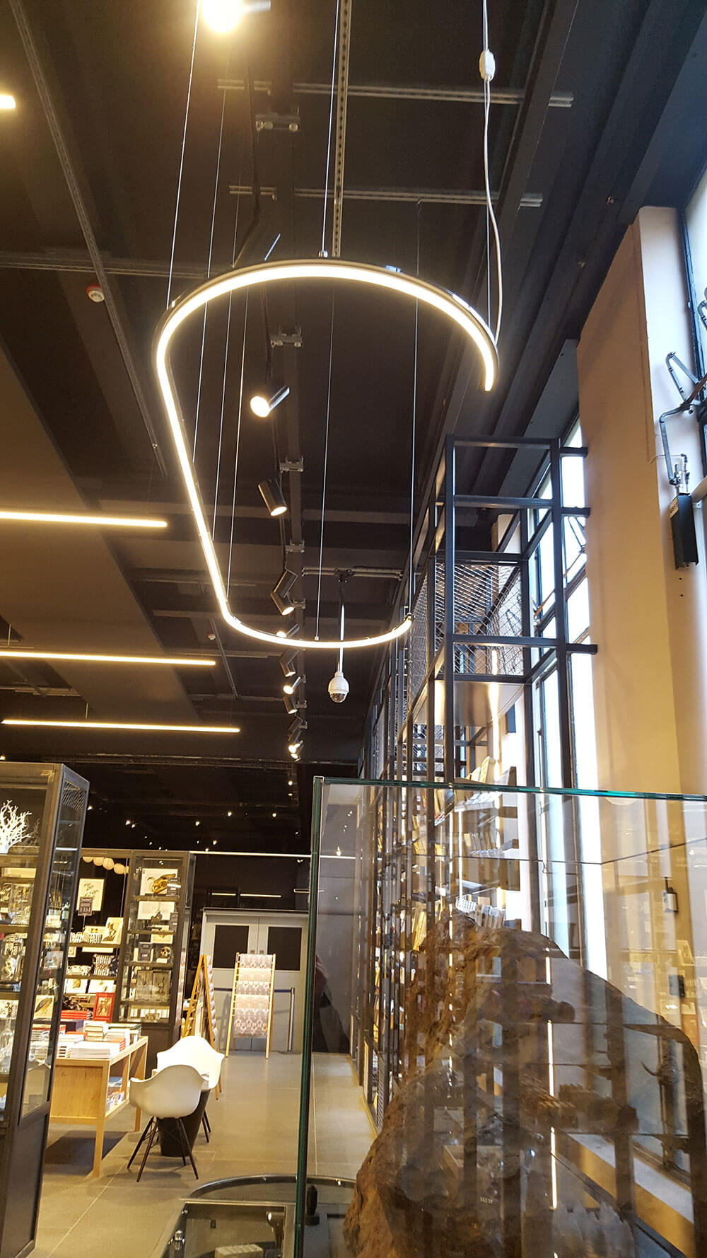 retail-shop-national-history-museum-london-1-mjlighting