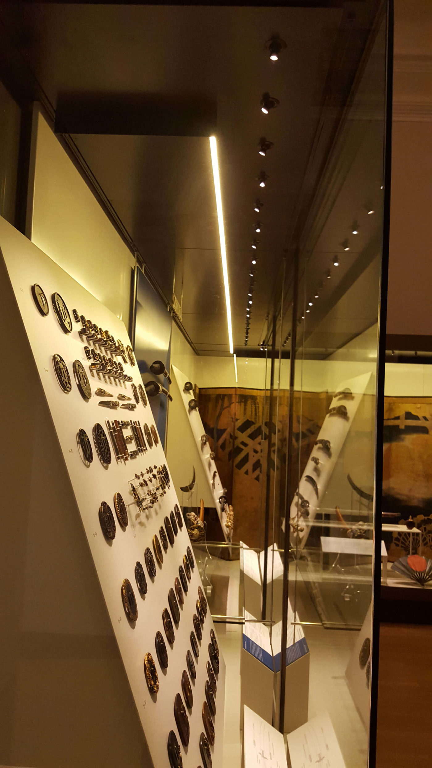 retail-shop-national-history-museum-london-4-mjlighting