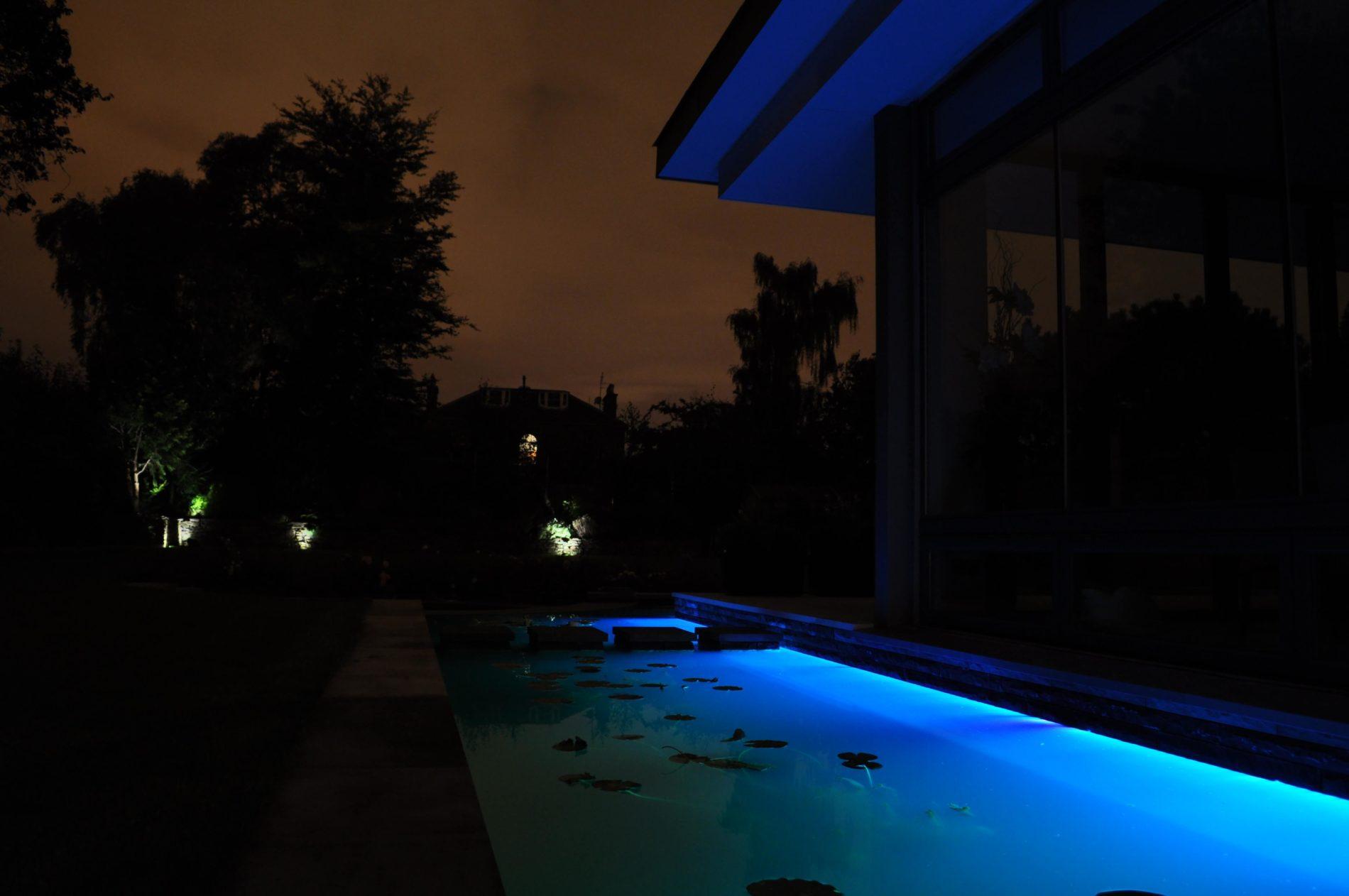 underwater-linear-led-strips-3-mjlighting